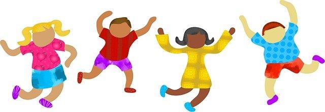 Enfants qui dansent.